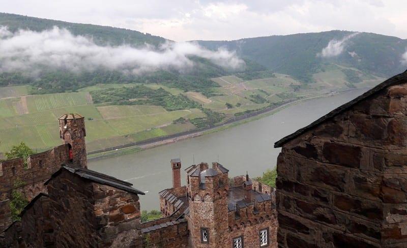 Blick von Burg Sooneck aufs Rheintal
