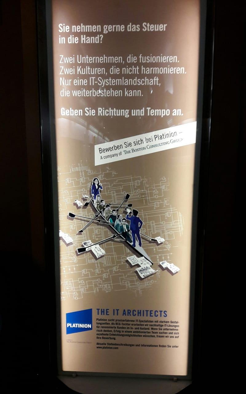 """Auch Außenwerbung: Die """"Bordwerbung"""" in den Zügen der Bahn"""